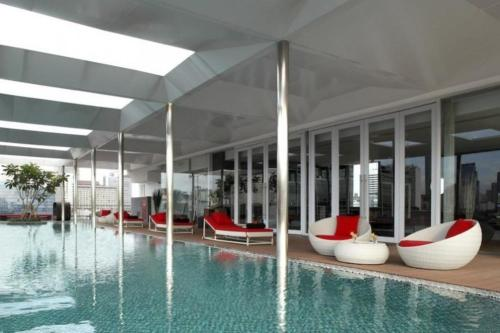 The swimming pool at or near Morrissey Hotel Residences
