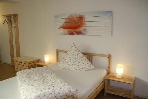A bed or beds in a room at Hotel Anchovis