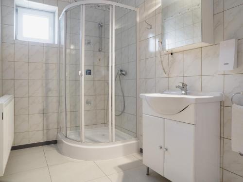 Ein Badezimmer in der Unterkunft Hotel A8 Lukas