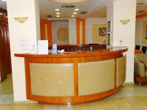 Лобби или стойка регистрации в Faros II
