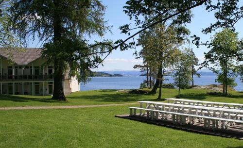 A garden outside Jegtvolden Fjordhotell