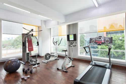 The fitness centre and/or fitness facilities at All Seasons Jakarta Thamrin