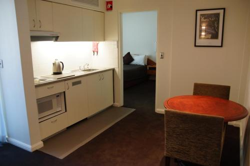 A kitchen or kitchenette at Morgans Boutique Hotel