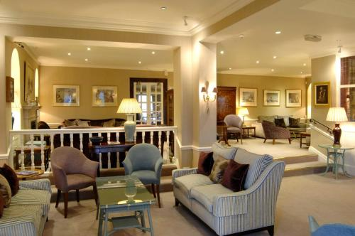 A seating area at Wentworth Hotel