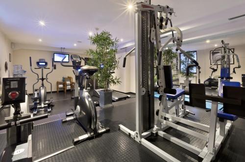 Das Fitnesscenter und/oder die Fitnesseinrichtungen in der Unterkunft Flemings Hotel München-City