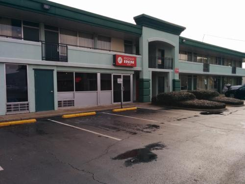 The building in which the motel is located