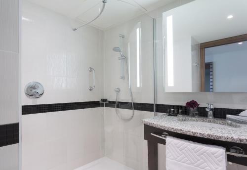 A bathroom at Hampton by Hilton Warsaw City Centre