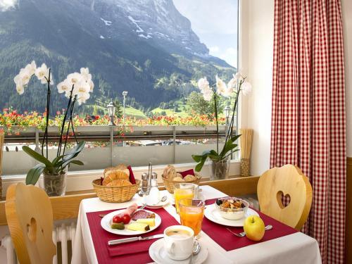 Общий вид на горы или вид на горы из отеля