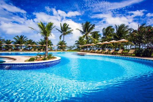 A piscina localizada em Vila Angatu Eco Resort SPA ou nos arredores