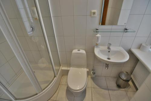 A bathroom at Hotel Multilux
