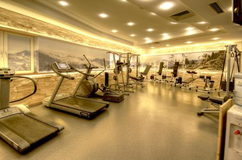 The fitness center and/or fitness facilities at Hotel Kendler