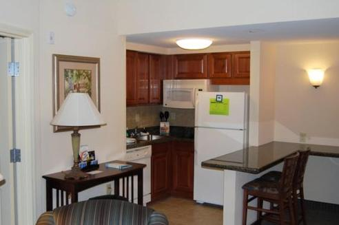 A kitchen or kitchenette at Homewood Suites By Hilton Montgomery EastChase