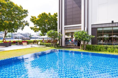 Piscina di Ibis Bangkok Riverside o nelle vicinanze