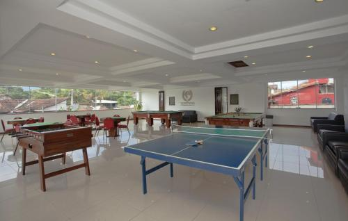 Ping-pong facilities at Hotel Atlântico Búzios Convention & Resort or nearby