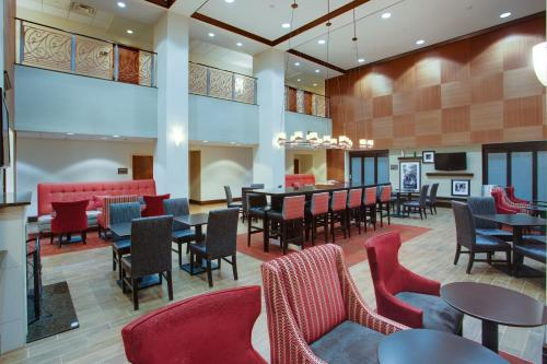 A restaurant or other place to eat at Hampton Inn by Hilton Garden City Long Island