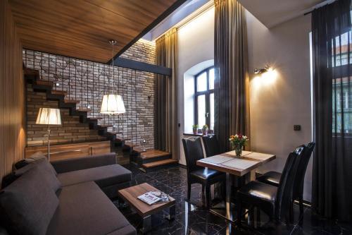 A seating area at Zuckmann Villa