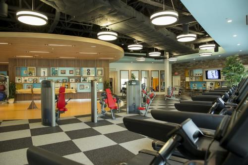 Das Fitnesscenter und/oder die Fitnesseinrichtungen in der Unterkunft Universal's Cabana Bay Beach Resort