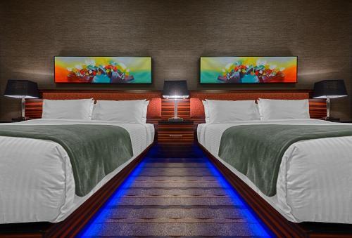 A room at Hotel Clique Calgary Airport