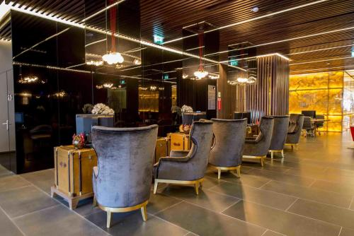 The lounge or bar area at BessaHotel Liberdade