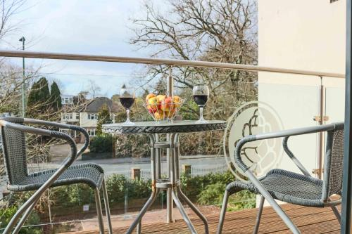 A balcony or terrace at Southampton Serviced Apartments