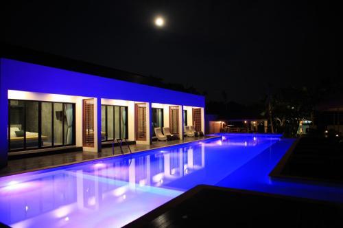 The swimming pool at or close to Mook Lamai Resort and Spa