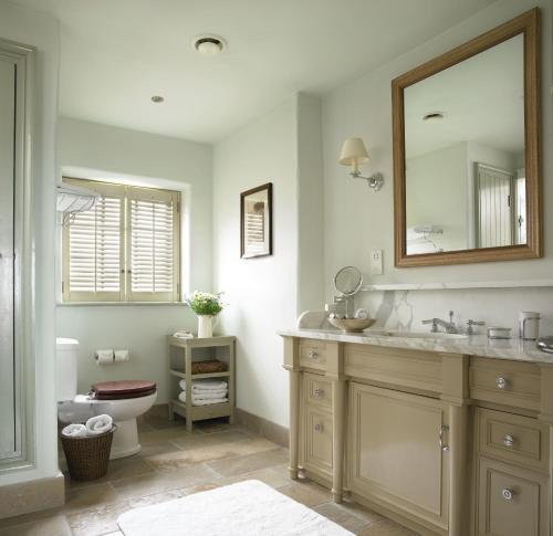 A bathroom at Trump International Golf Links & Hotel Doonbeg Ireland