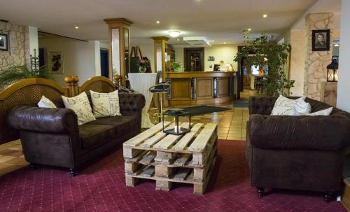 Lobby/Rezeption in der Unterkunft Hotel Eydt Kirchheim