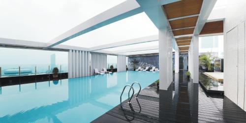 المسبح في فندق قوانغتشو بايون أو بالجوار