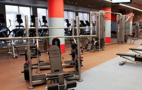 The fitness center and/or fitness facilities at Macleay Hotel