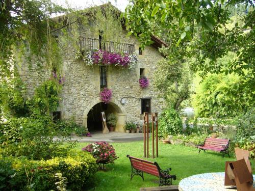 A garden outside Casa Rural Garro