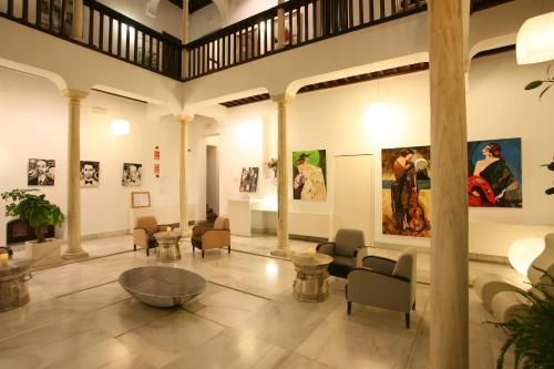 The lobby or reception area at El Ladrón De Agua