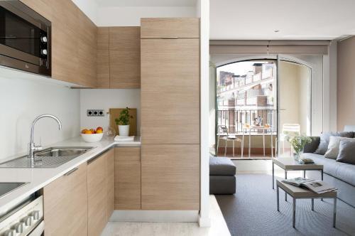 Cuisine ou kitchenette dans l'établissement Eric Vökel Boutique Apartments - Gran Vía Suites