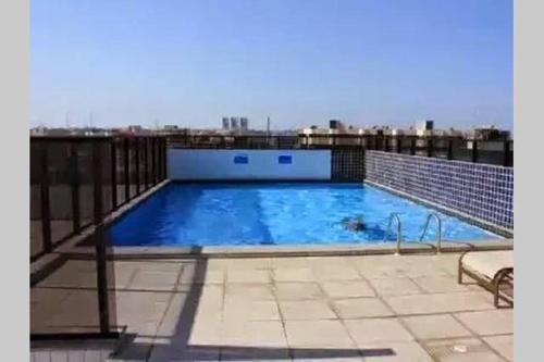 A piscina localizada em Apartamento Monte Paradiso ou nos arredores