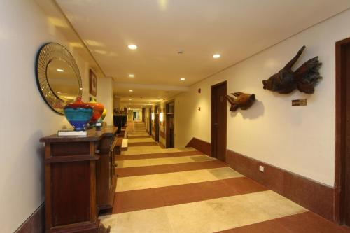 The lobby or reception area at Crown Regency Beach Resort