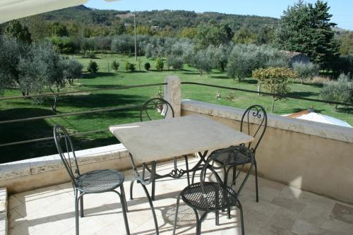 Вид на бассейн в Casa Vacanze San Francesco или окрестностях