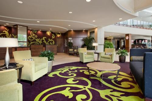 Lobby/Rezeption in der Unterkunft Embassy Suites Buffalo