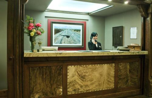 The lobby or reception area at Hotel Posada Los Alamos