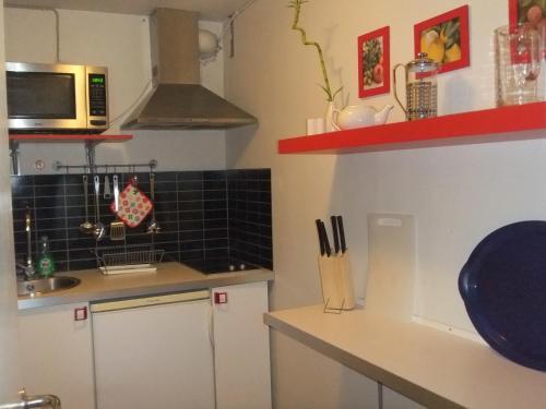 Køkken eller tekøkken på Acacia House B&B