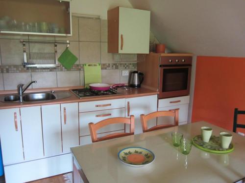 Kuchyňa alebo kuchynka v ubytovaní Apartment Kanin