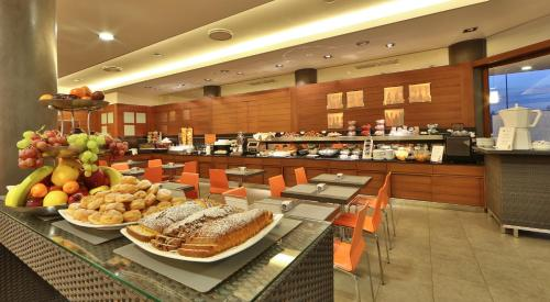 A restaurant or other place to eat at Best Western Plus Hotel Galileo Padova
