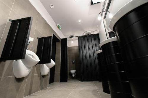 A bathroom at Main Square Hostel