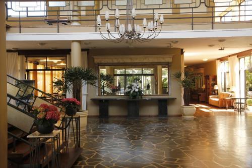The lobby or reception area at Sky Samuara Hotel Caxias do Sul