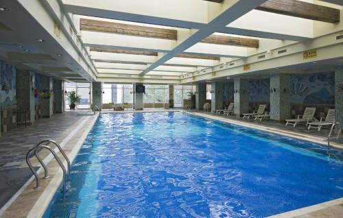 Бассейн в Beijing Guangxi Hotel или поблизости
