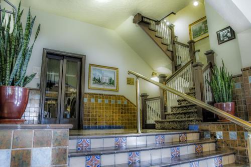 The lobby or reception area at Hassayampa Inn