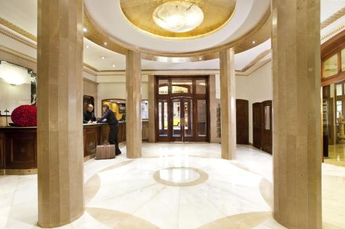 The lobby or reception area at Hotel Astoria