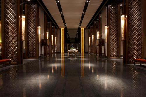 The lobby or reception area at Silks Place Tainan