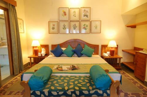 A bed or beds in a room at The Aodhi