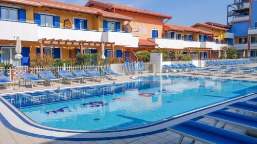 Bazén v ubytování Villaggio Hemingway - Aparthotel nebo v jeho okolí