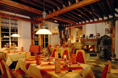 A restaurant or other place to eat at Hotel Berghof