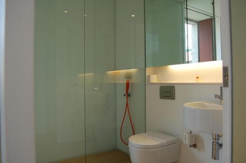 A bathroom at Convento de Tibaes